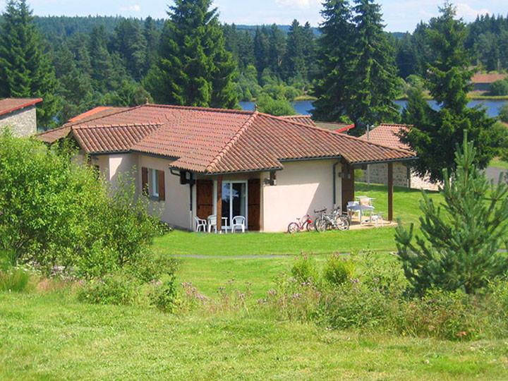 village vacances location fournols auvergne