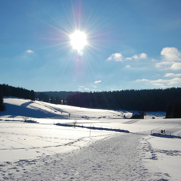 vacances alpes la clusaz confins montagne hiver
